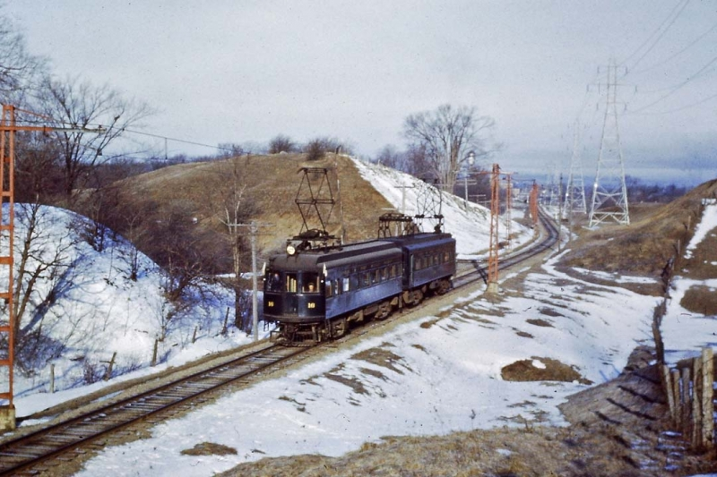 L&PS 16 and 18 at Pond Mills 1952