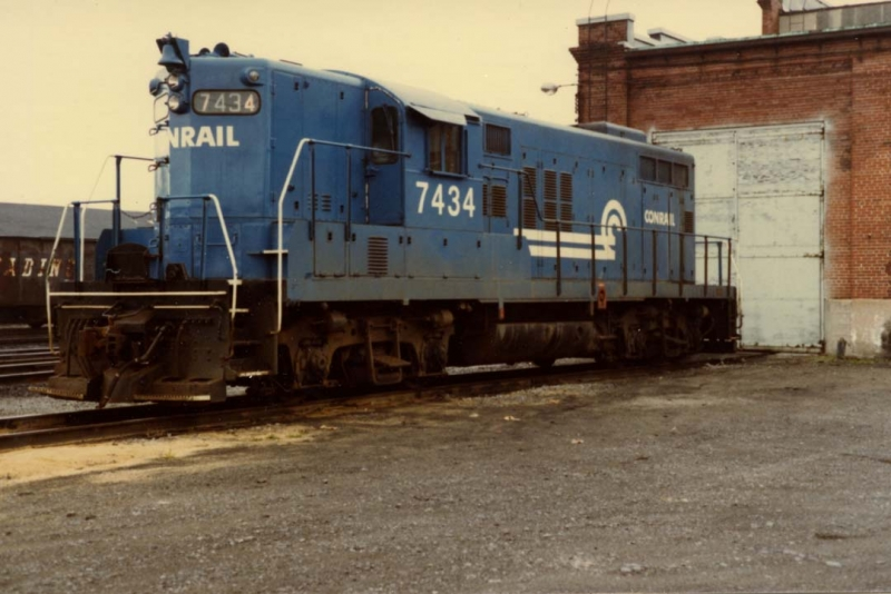 Conrail 7434 at the shops in St. Thomas